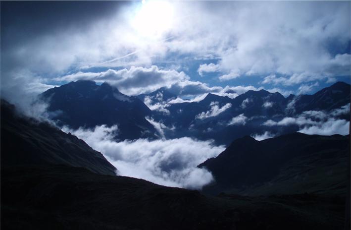 Viajes y rutas de escalada en España